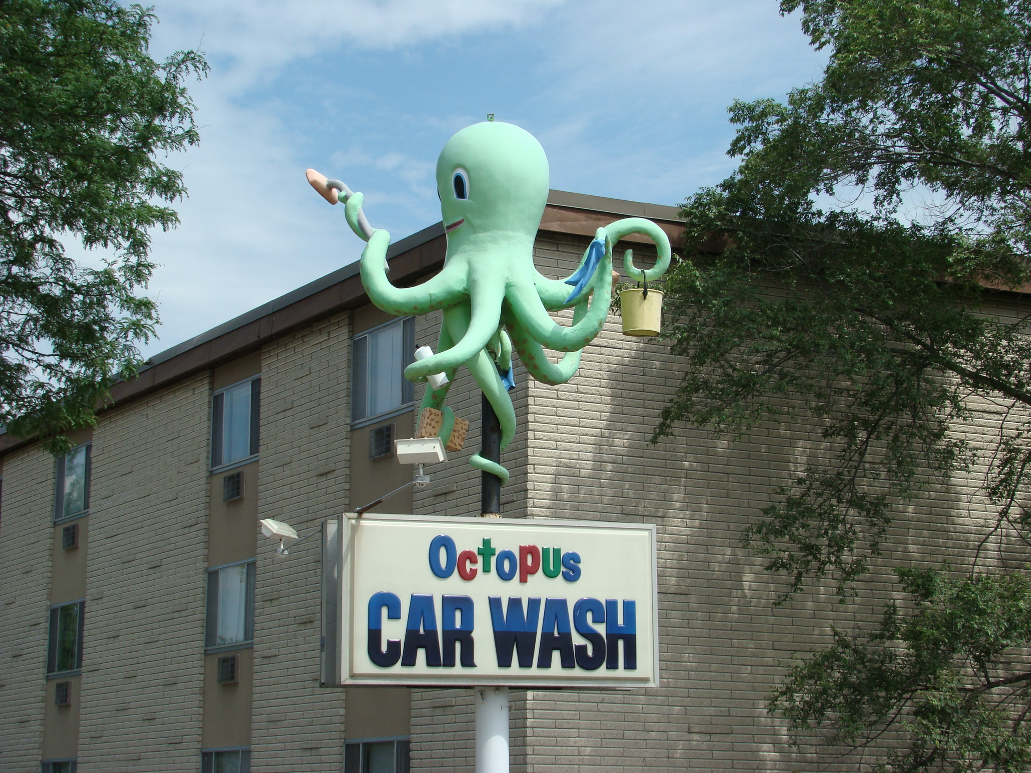 Octopus Car Wash Madison: Obscurity And Decay